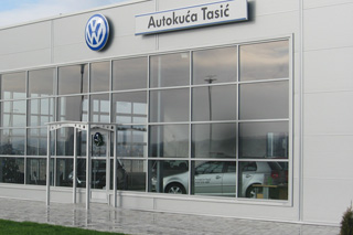 car dealer Tasic